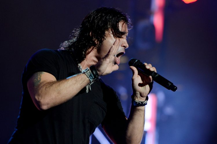 Creed's Scott Stapp to unplug for Riviera Theatre performance