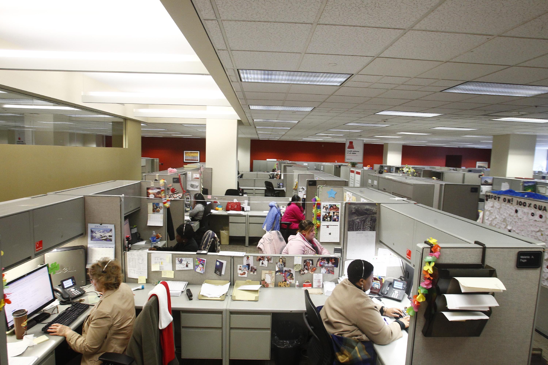 KeyBank employees at the Main Street location in 2012. (John Hickey/Buffalo News)