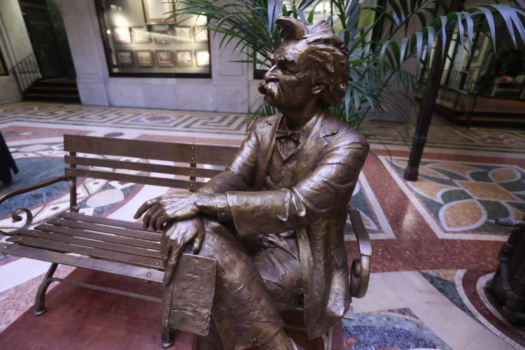 Mark Twain statue at Ellicott Square fulfills a promise to friend