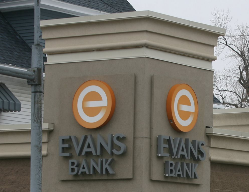 Robbers stole $80,000 from the vault at Evans Bank branch in Tonawanda. (News file photo)