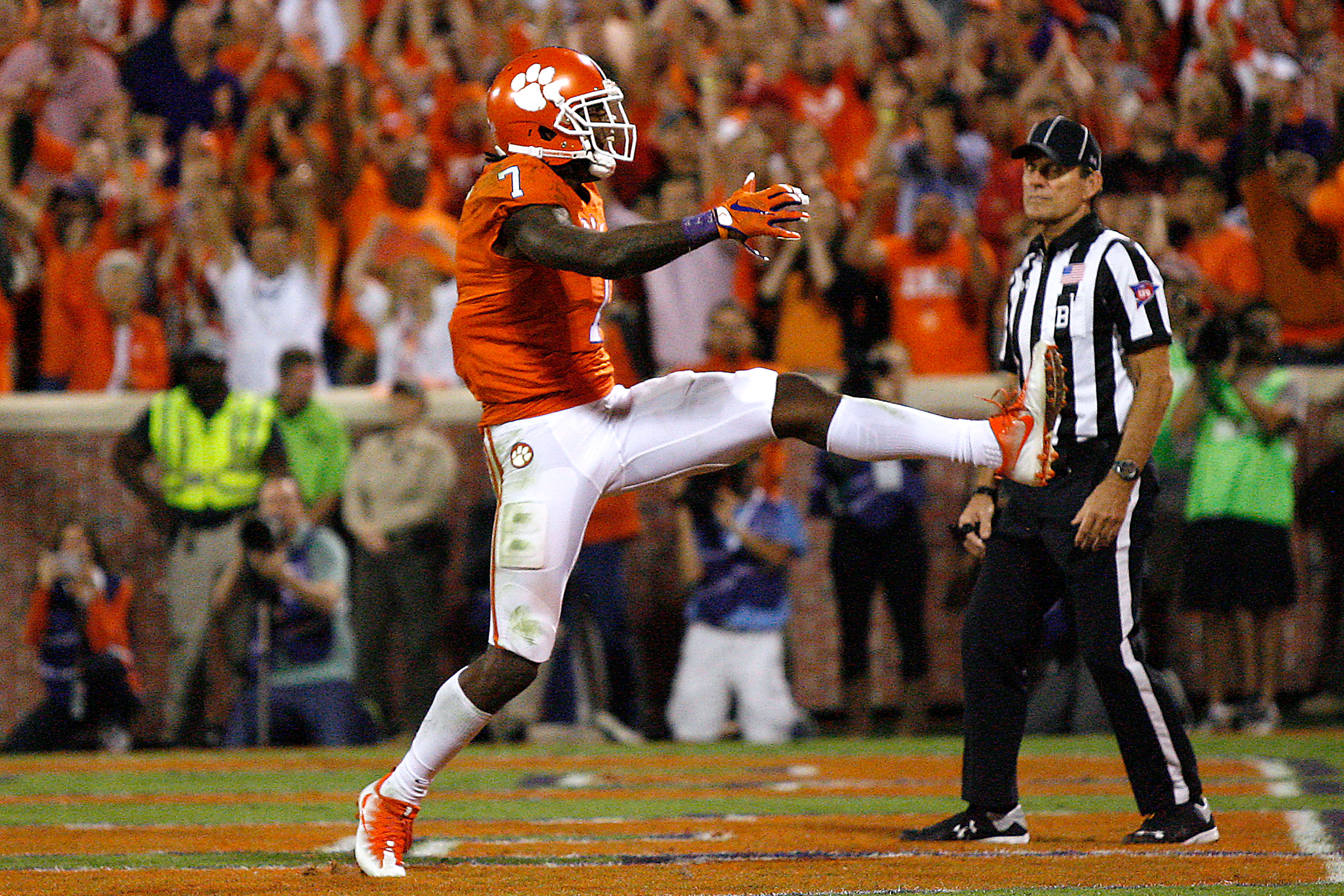 Will the Bills select Mike Williams in the first round? (Getty Images)