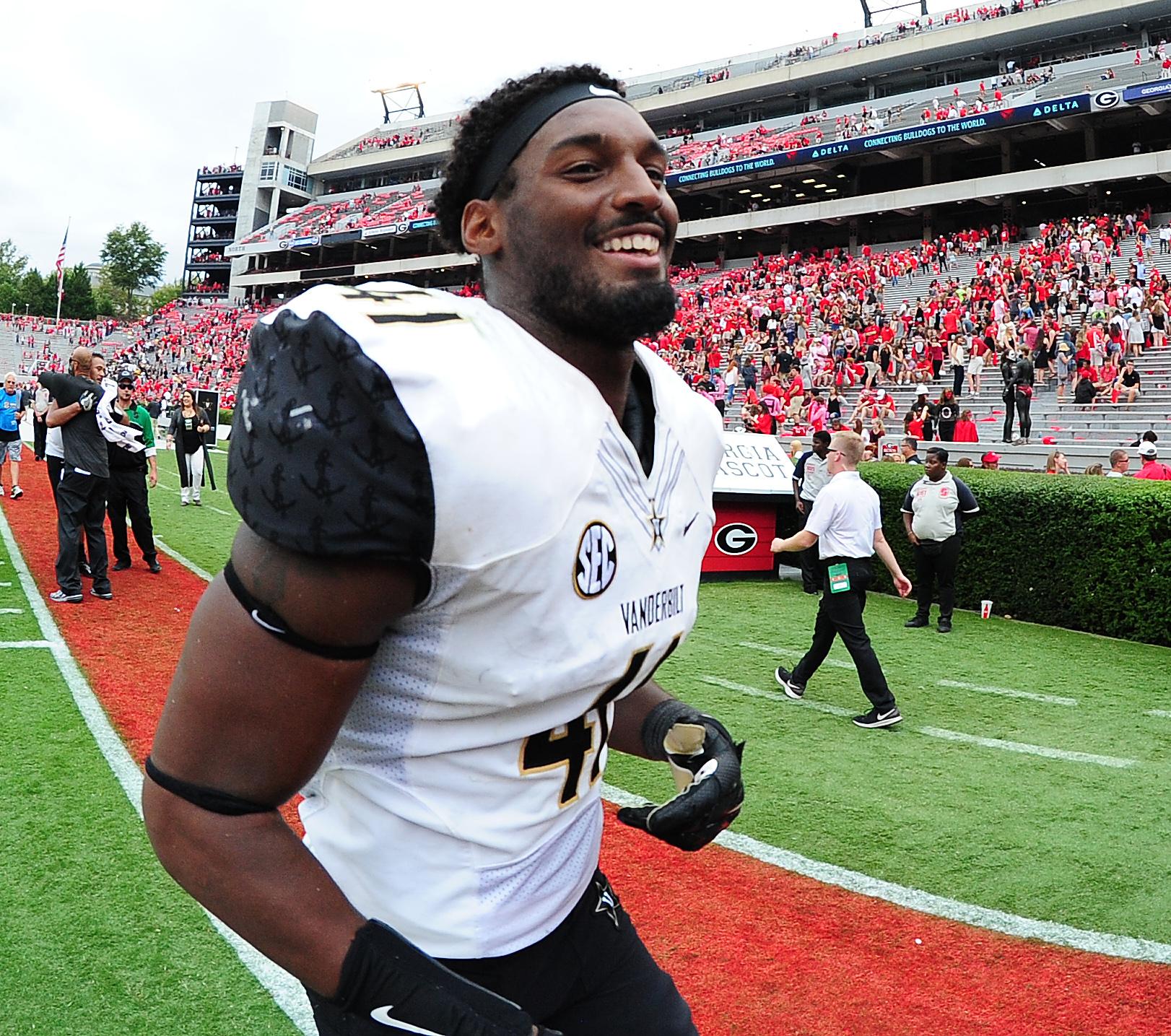 Vanderbilt linebacker Zach Cunningham was a tackling machine in 2016. (Getty Images)