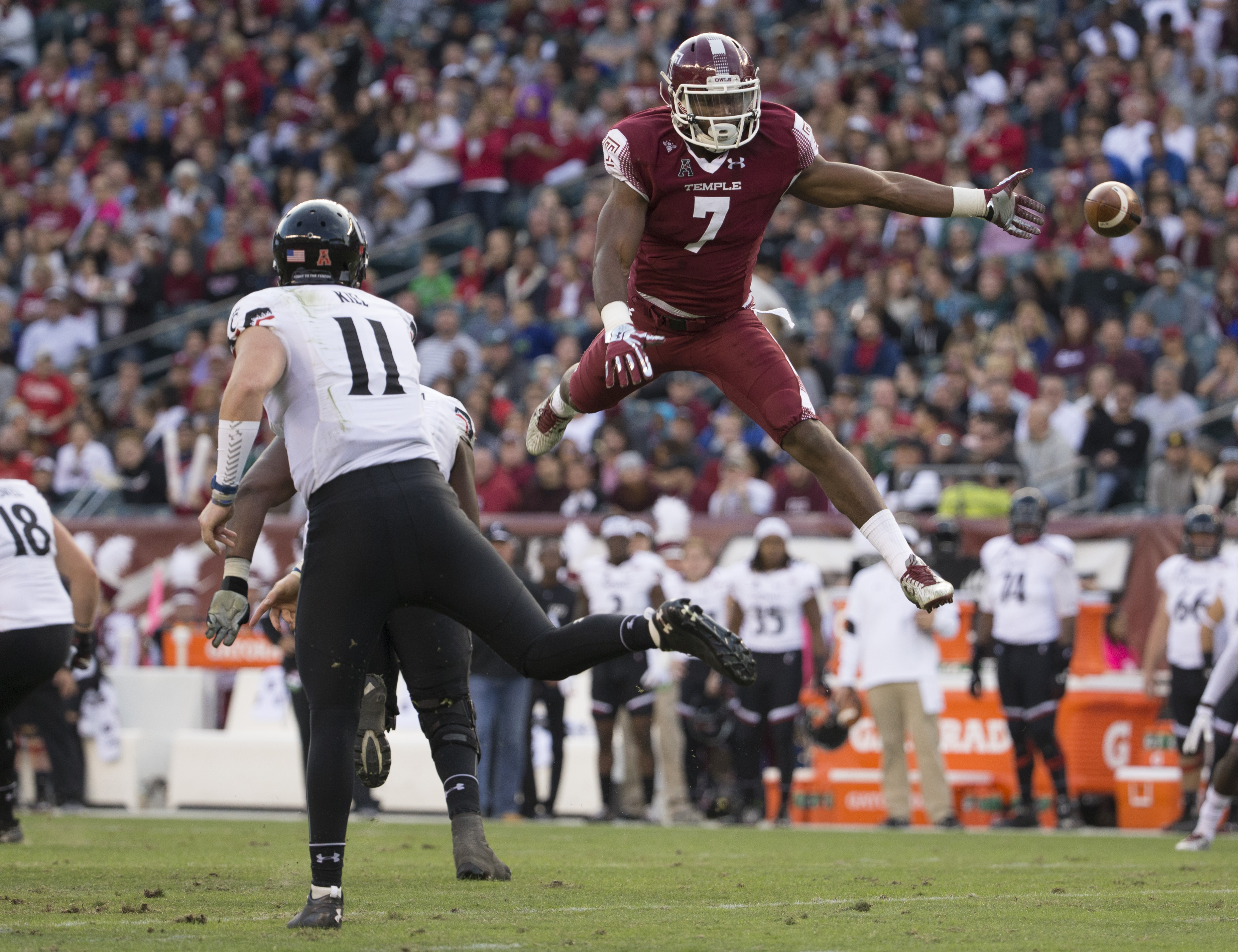 Temple linebacker Haason Reddick is gaining steam as a popular pick for the Buffalo Bills. (Getty Images)