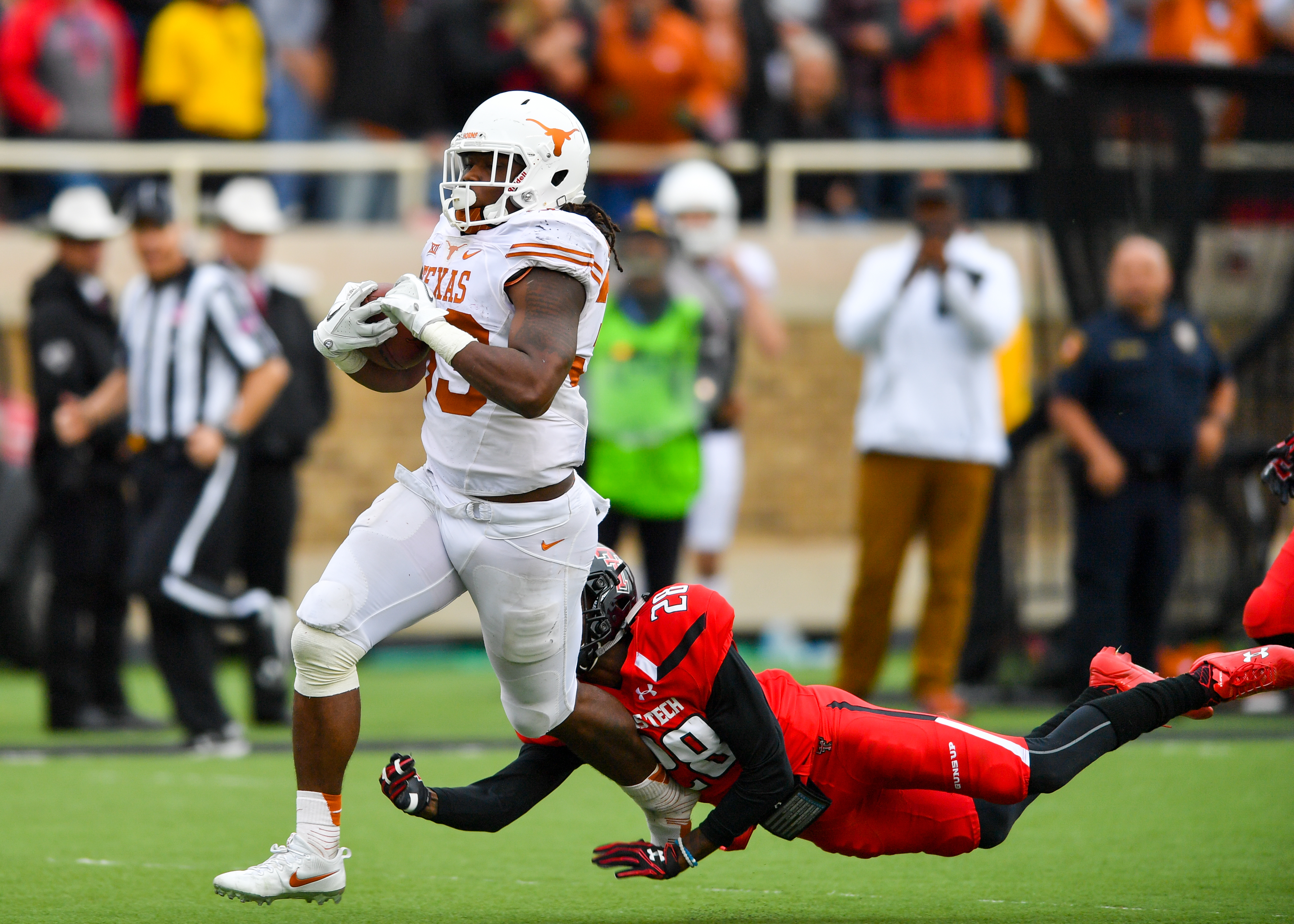 Texas running back D'Onta Foreman led the nation in yards per game (Getty Images).