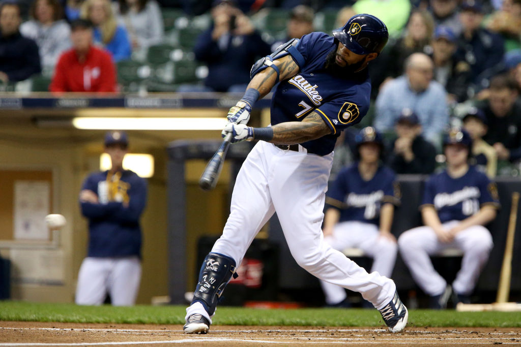 Eric Thames #7 of the Milwaukee Brewers hits a single in the first inning against the St. Louis Cardinals at Miller Park on April 20, 2017 in Milwaukee, Wisconsin. (Getty Images)