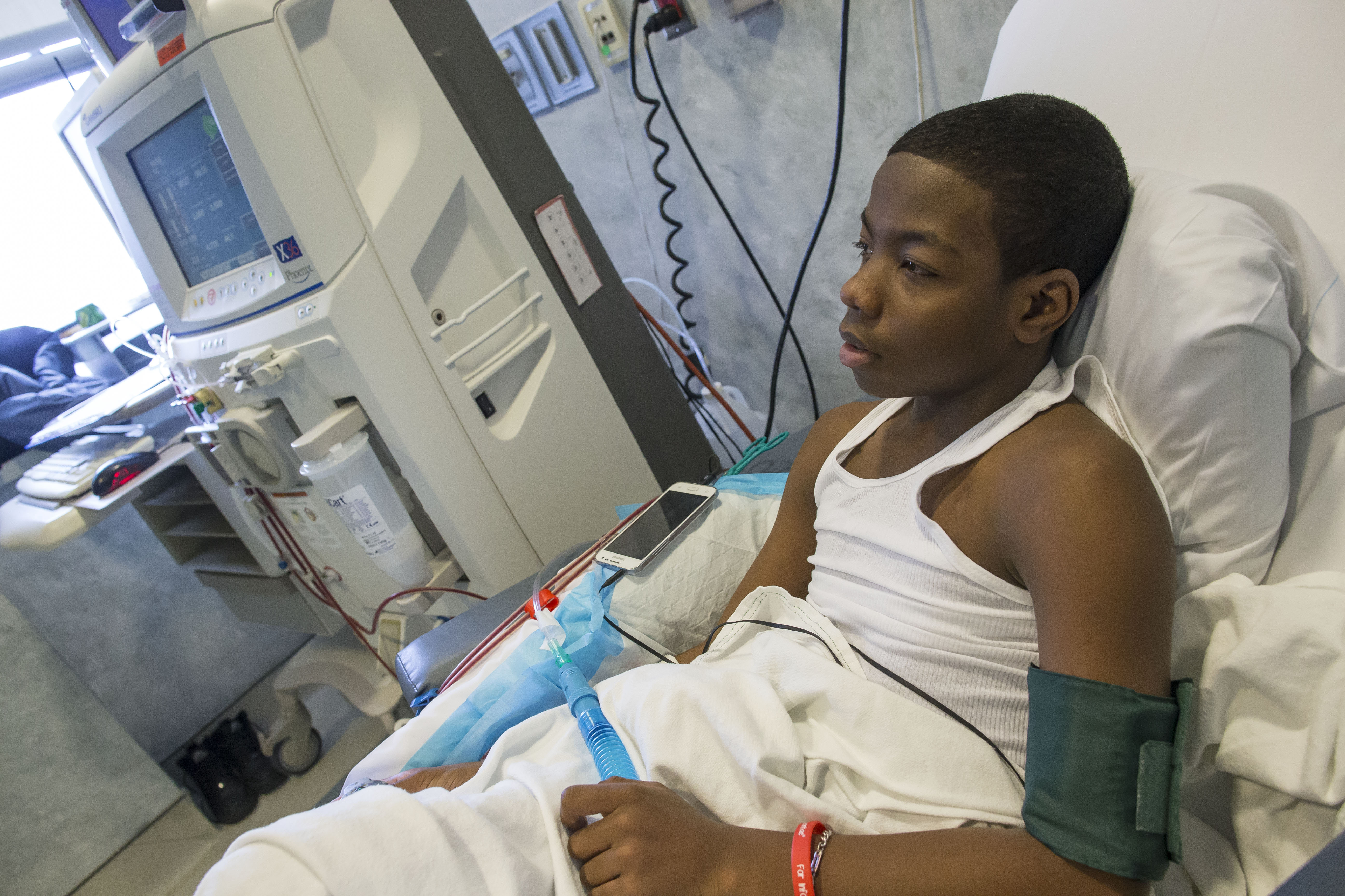 Leontae Parker, 15, goes through dialysis in the Kidney Center at Women and Children's Hospital in Buffalo on April 5. (Derek Gee/Buffalo News)