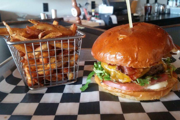 Juicy Burger Bar expanding Hamburg restaurant