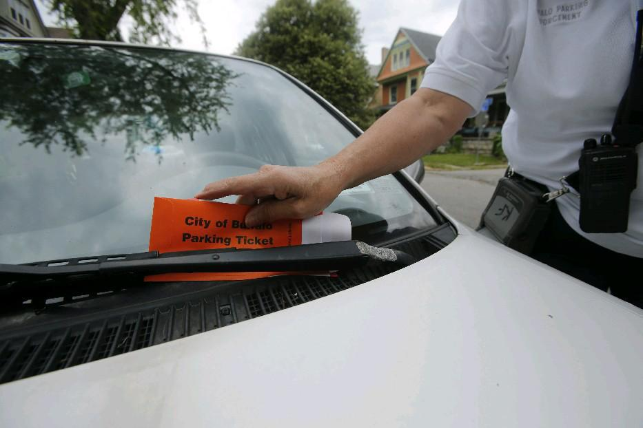 A new Buffalo smartphone app will mean motorists will no longer have to worry about getting a ticket because the meter expires while theyre stuck in a meeting. (Derek Gee/News file photo)