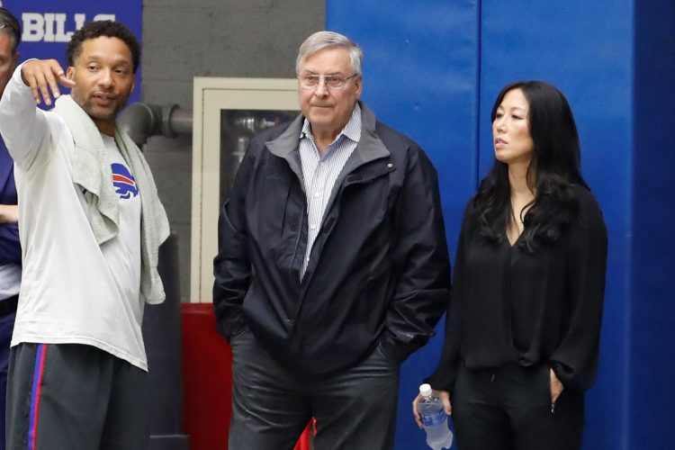 Jerry Sullivan's Hot Read: One GM down, one to go