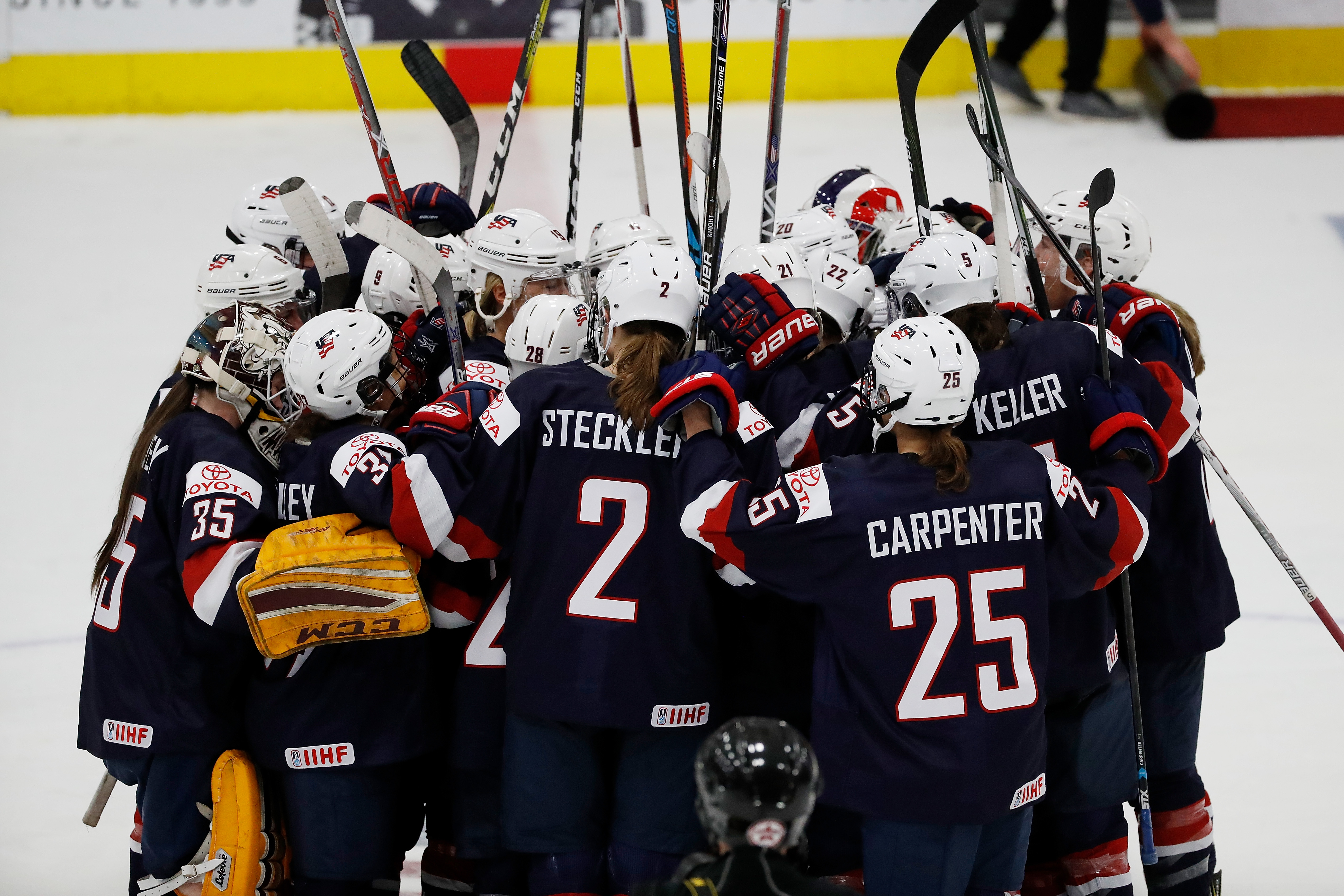 Team USA won its second preliminary round game at the 2017 IIHF Women's World Championship. (Getty Images)