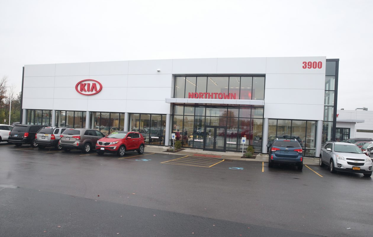 The 468 parking spaces would sit between the synagogue, to the west, and Northtown Kia, Mazda and Subaru, to the east, at 3890 Sheridan. (John Hickey/Buffalo News file photo)