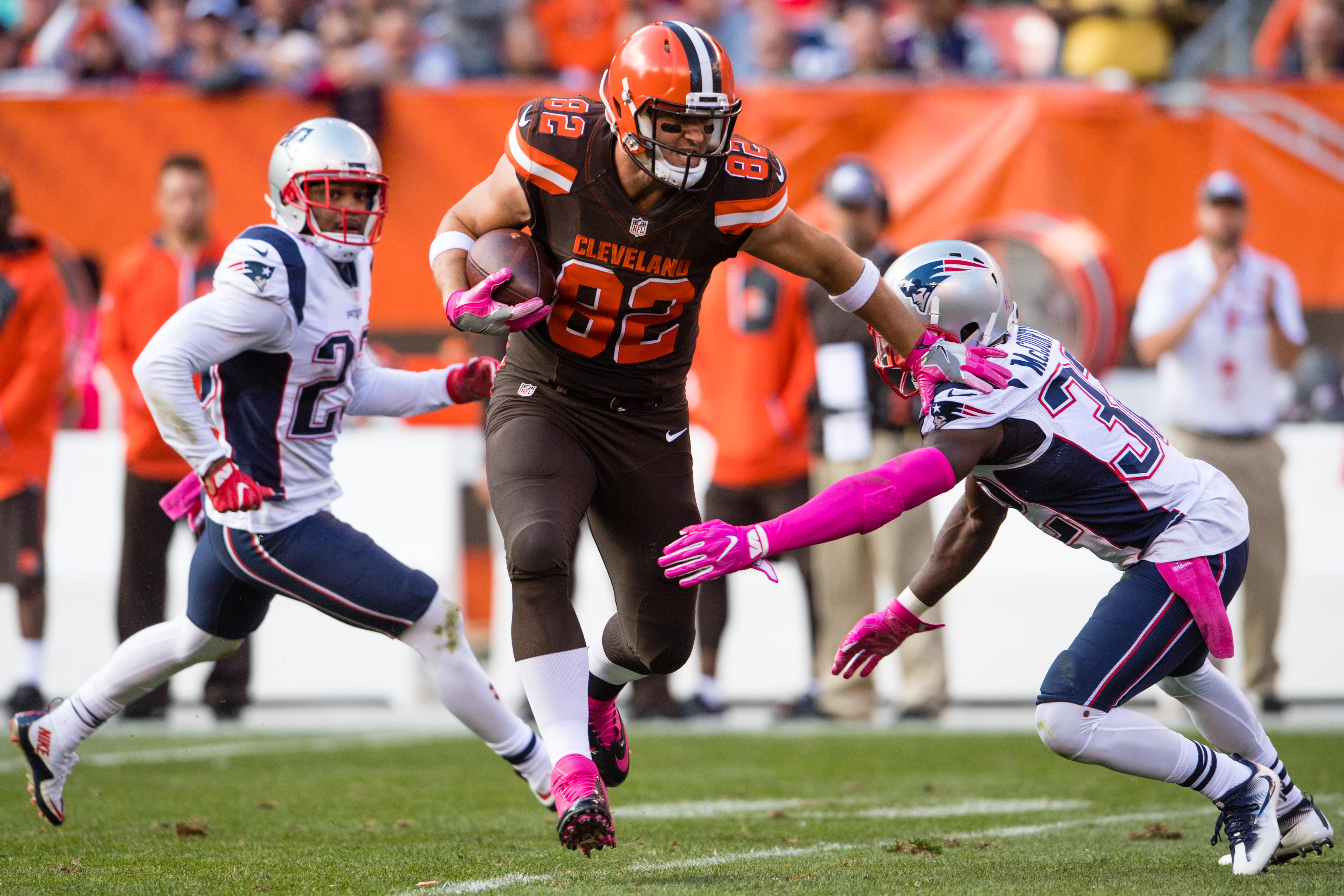 Bills reportedly visiting with former Browns tight end Gary Barnidge. (Photo by Jason Miller/Getty Images)