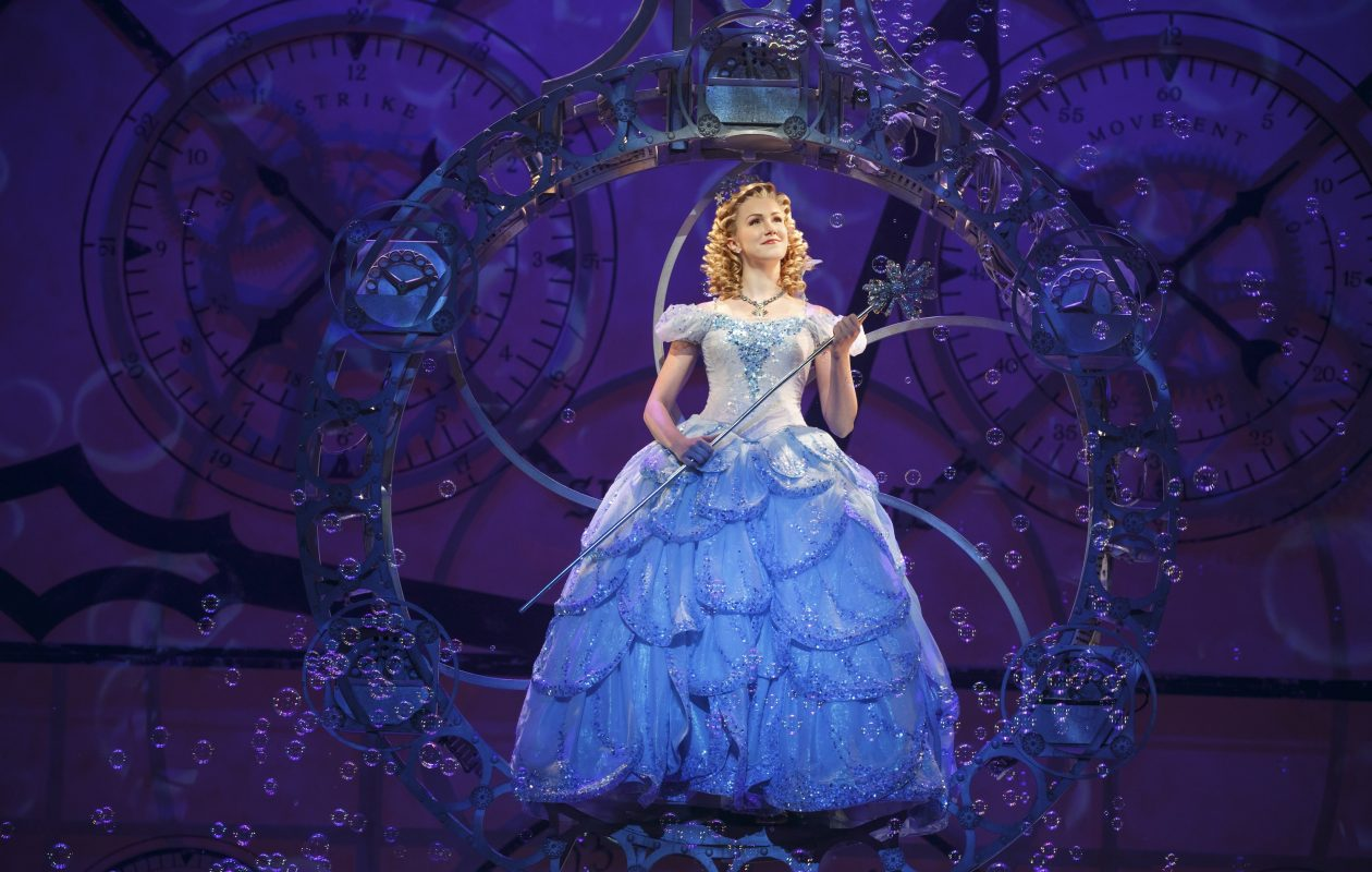 Ginna Claire Mason plays Glinda in Wicked. (Photo by Joan Marcus)
