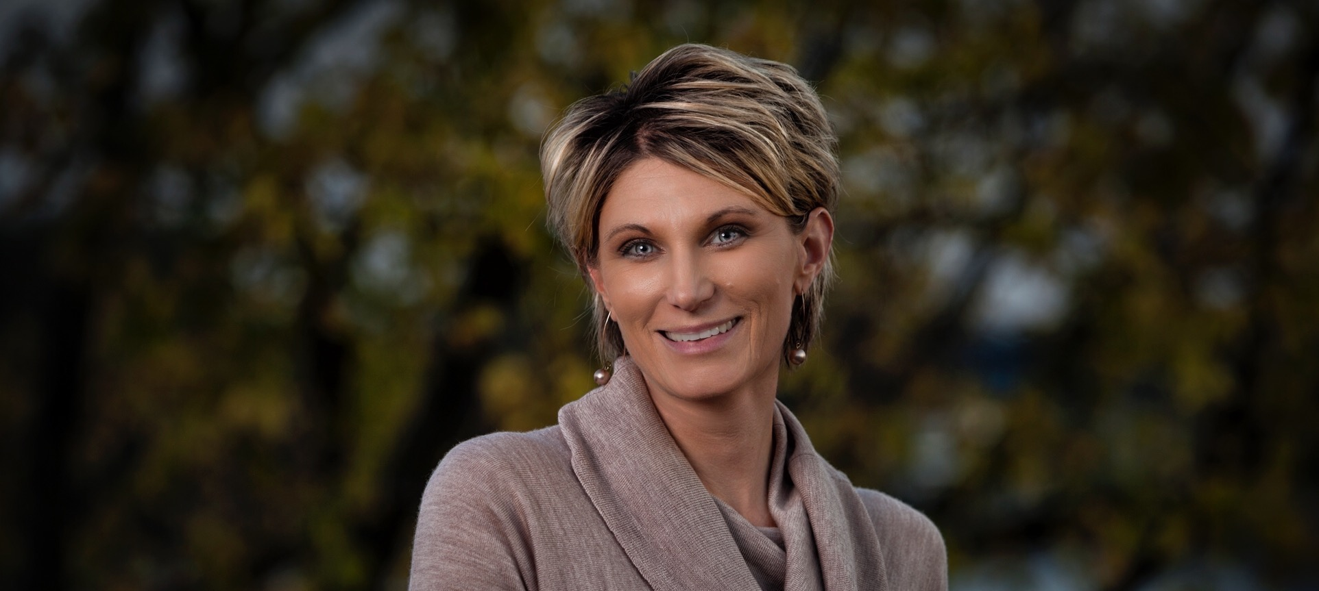 Cyndy Montana resigns as secretary to the supervisor to run for a seat on the town council