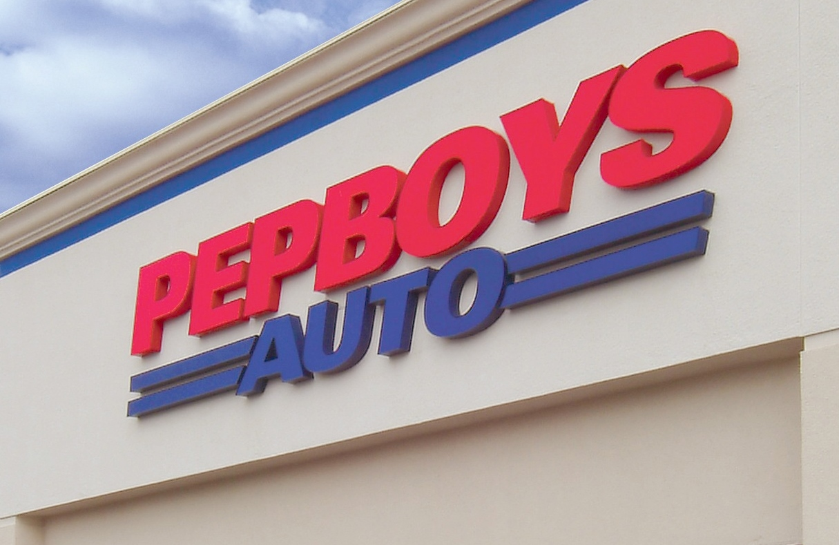 Pep Boys' newly remodeled store -- service center bays (Photo: Business Wire)