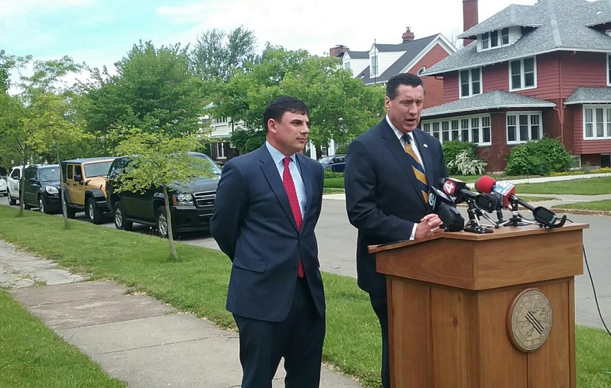 Erie County Legislator Peter Savage, left, and District Attorney John Flynn want to make car break-ins felonies.