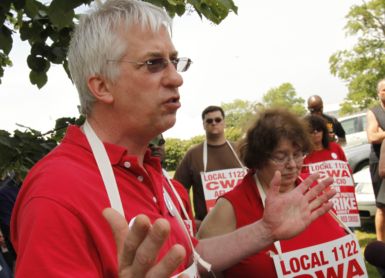 CWA Local 1122 president James Wagner, shown in 2010. (Derek Gee/Buffalo News file photo)