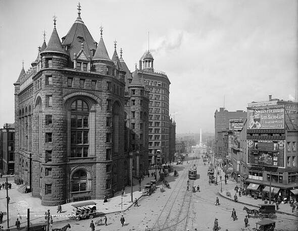 The castle-like Erie County Savings Bank, shown here in 1908, didn't receive nearly as many votes as the Larkin Administration Building in last month's poll. (Photo courtesy of the Library of Congress)