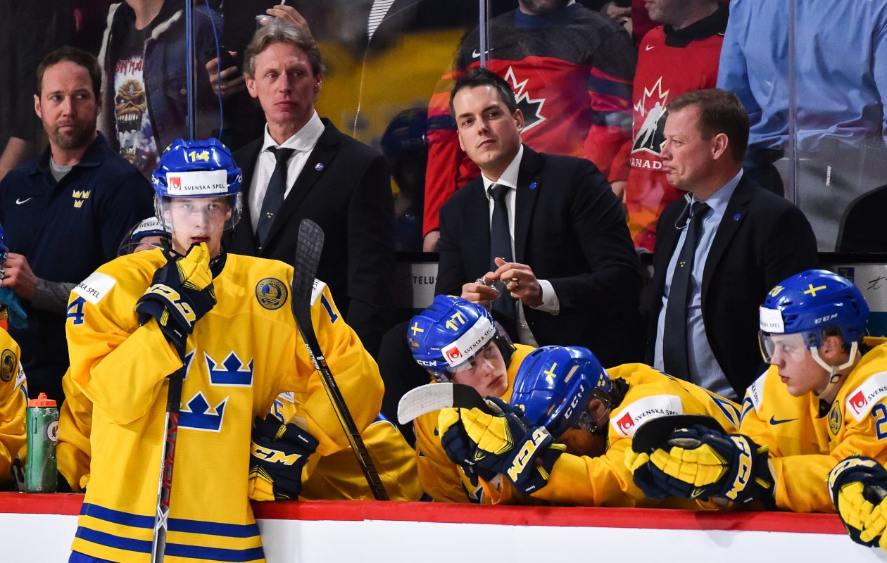 Elias Pettersson (14) is a star in Sweden but has struggled on the world stage. (Getty Images)