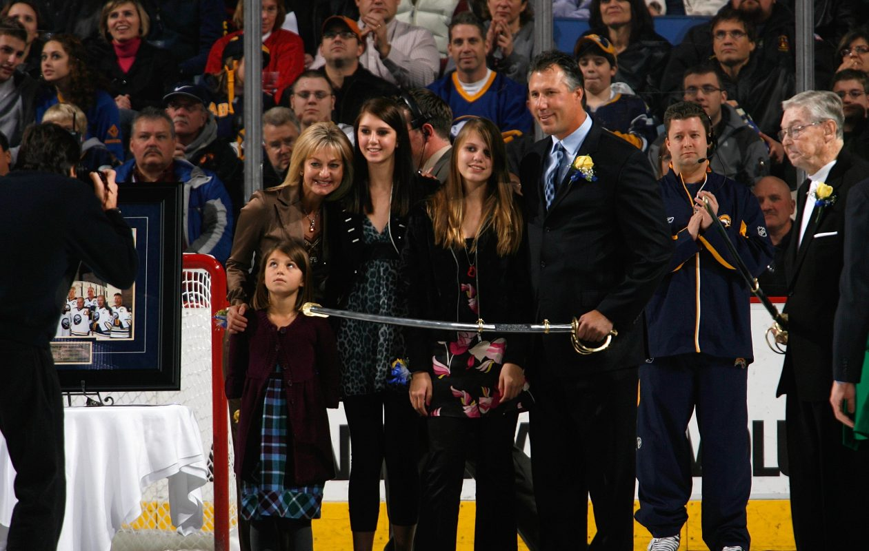 Dave Andreychuk and his Buffalo-born family celebrate his induction into the Sabres' Hall of Fame in 2008. (Getty Images)