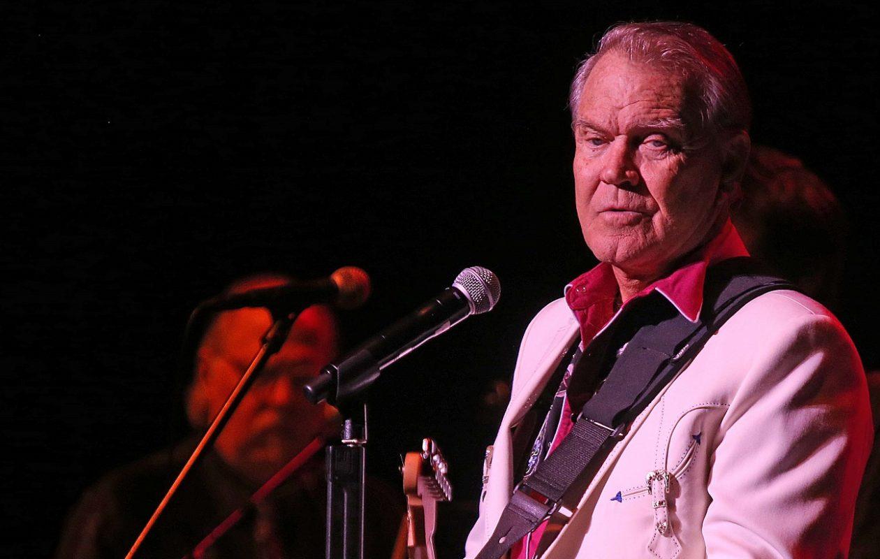 Glen Campbell performed at UB in 2012. (Robert Kirkham/Buffalo News)