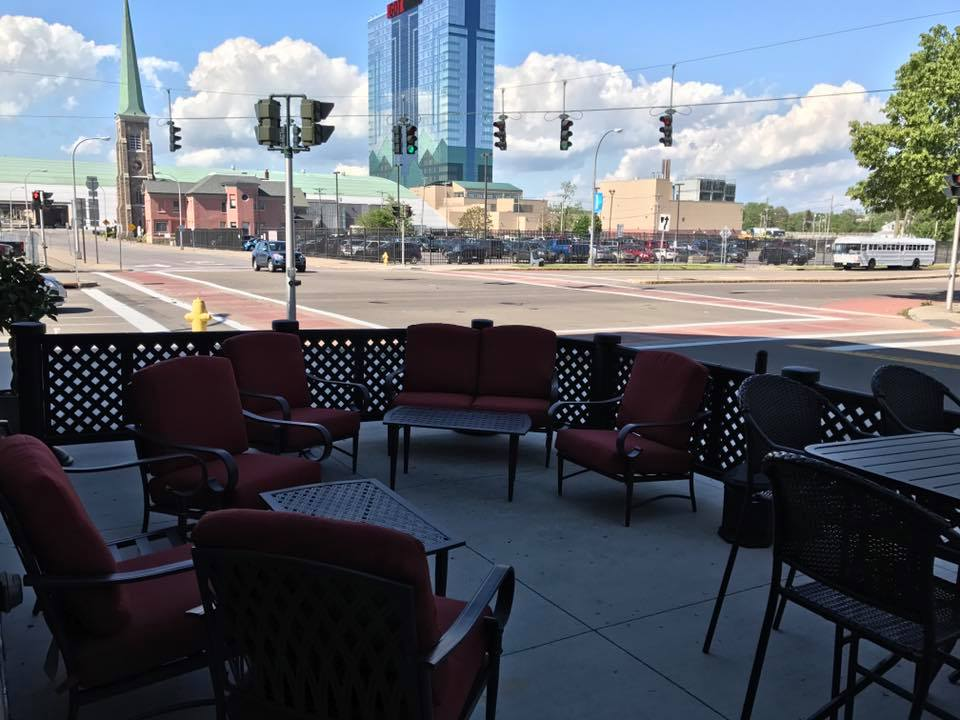 Twisted Olives, a few blocks from the Seneca Niagara Casino, has two patios. (Twisted Olives)