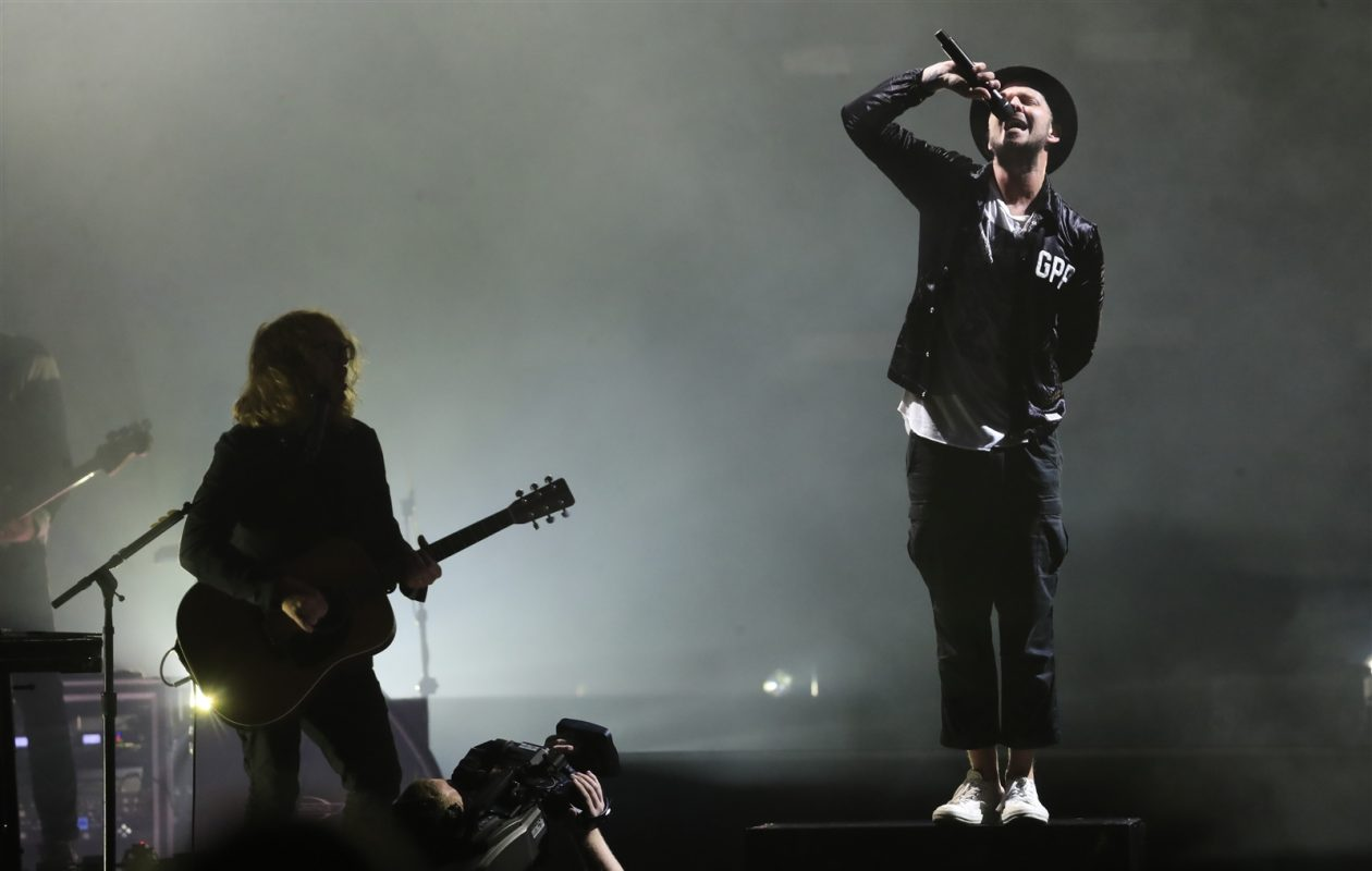 OneRepublic, with lead vocalist Ryan Tedder, performs at Darien Lake. (Harry Scull Jr./Buffalo News)