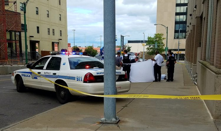 Body of dead man found on Eagle Street downtown