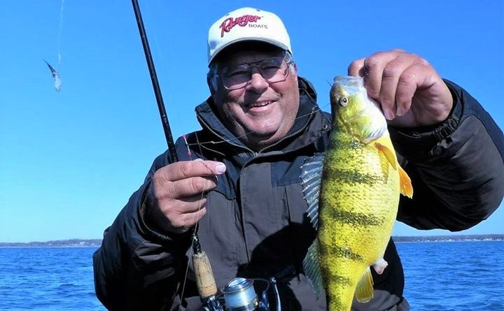 Outdoors: Take a byte and go fishing with social media