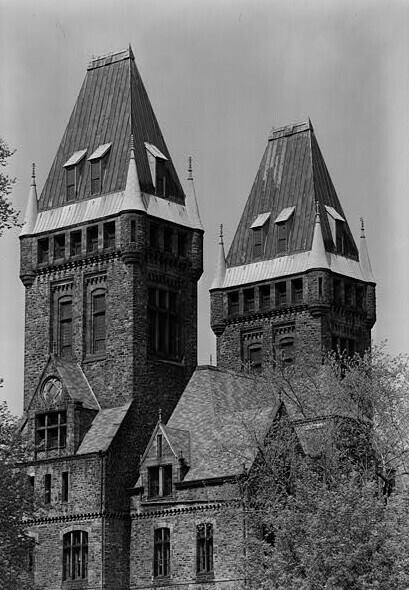 Before it was the Hotel Henry, the building designed by H.H. Richardson was called the Buffalo State Asylum for the Insane. (Photo courtesy of the Library of Congress.)