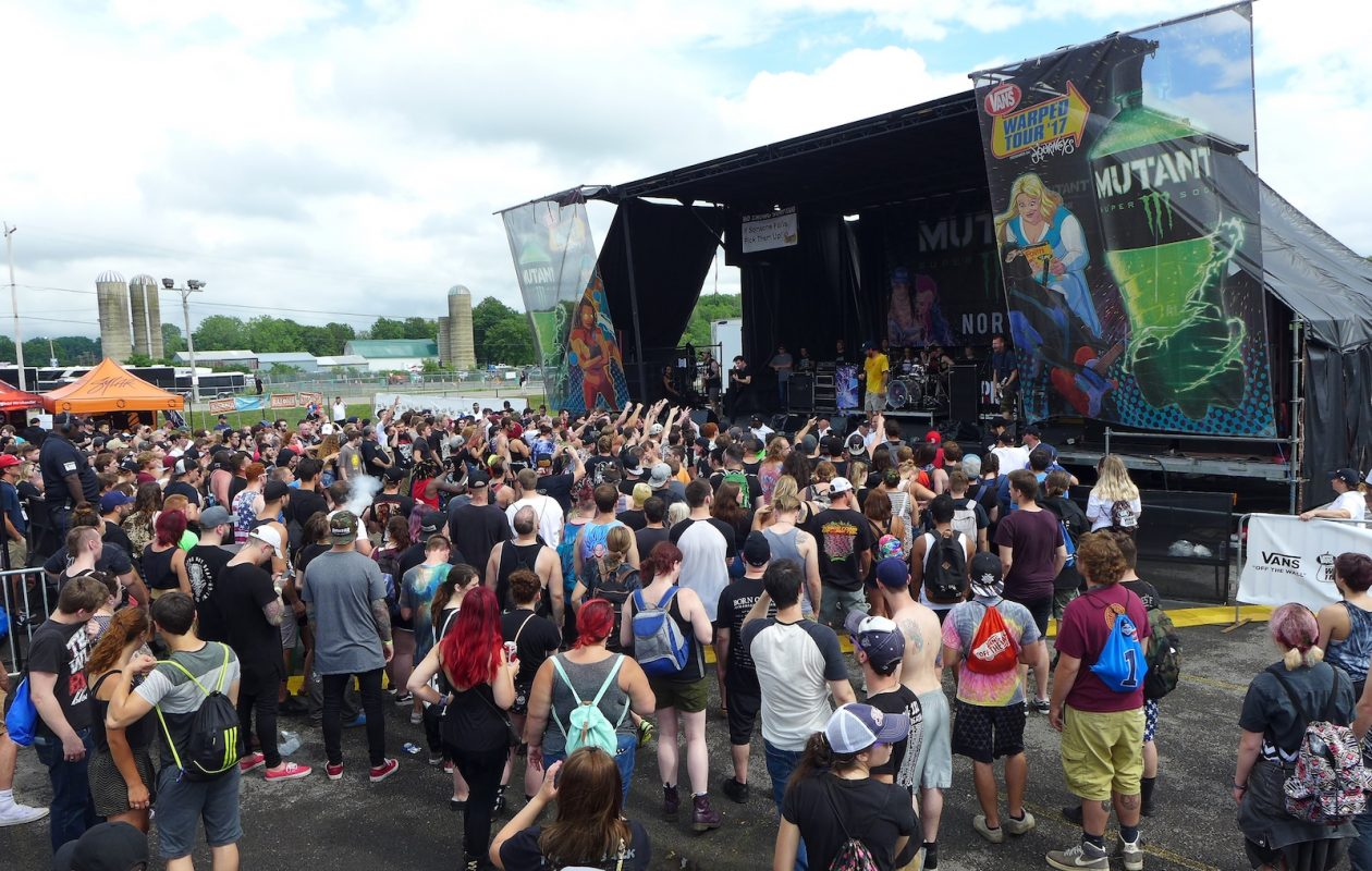 A crowd gathers in front of one of the larger stages at the day-long music festival Vans Warped Tour (Nancy J. Parisi/Special to The News)