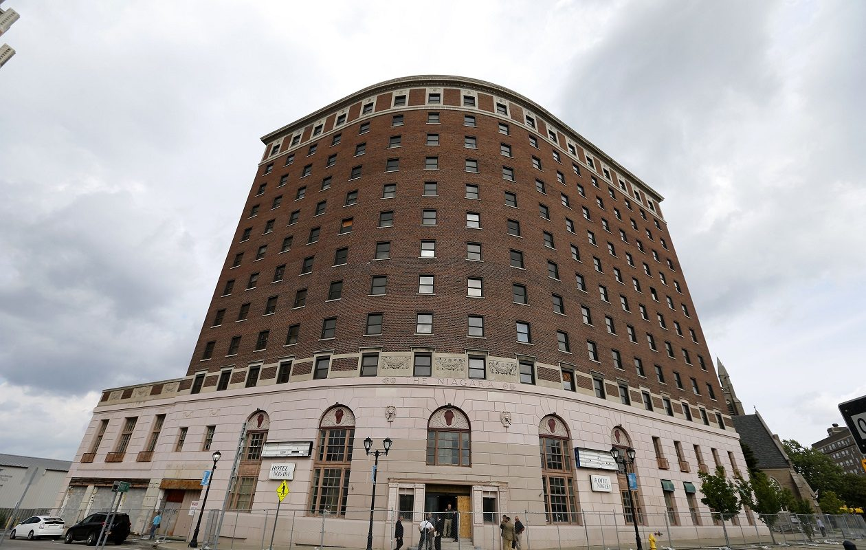 A Syracuse company is expected to be picked to redevelop the Hotel Niagara in Niagara Falls. (Mark Mulville/Buffalo News file photo)