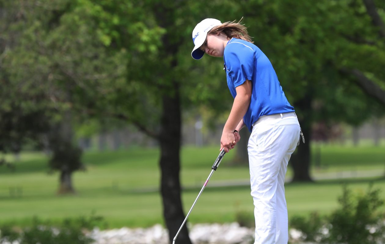 Melanie Green of Medina captured the Section VI championship as a freshman last season at Tan Tara Golf Club.  (James P. McCoy/Buffalo News)