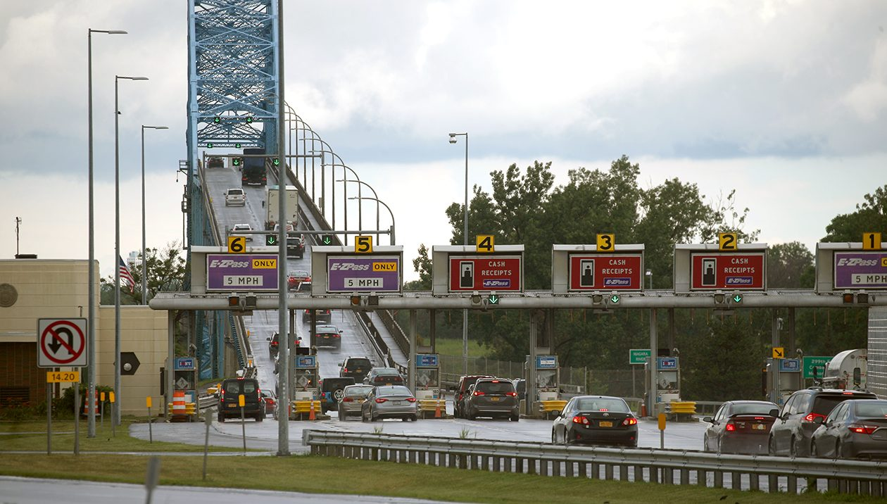 The cash-toll era is coming an end at the Grand Island bridges. (John Hickey/News file photo)