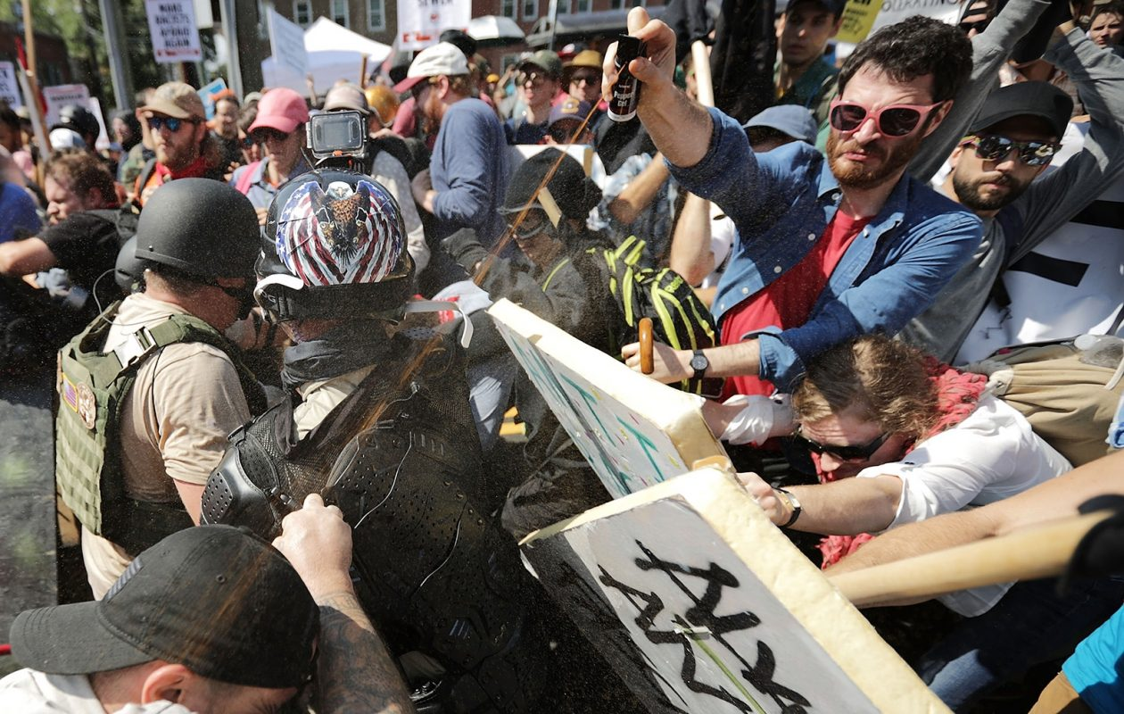 "White nationalists, neo-Nazis and members of the ""alt-right"" clash with counter-protesters. (Getty Images)"