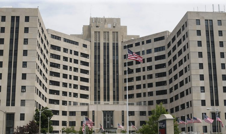 VA medical center warning 526 patients of infection risk from scopes