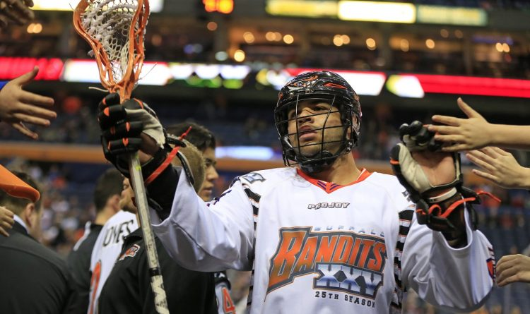Top scorer Dhane Smith re-signs with Bandits