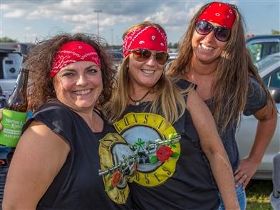 Smiles at Guns N' Roses tailgate