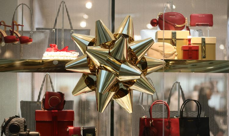 Now's the time to apply for seasonal retail work. Here's who's hiring.