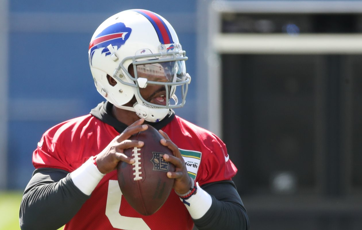 Bills quarterback Tyrod Taylor (5) throws a pass during practice on Wednesday, Sept. 13, 2017.  (James P. McCoy/Buffalo News)