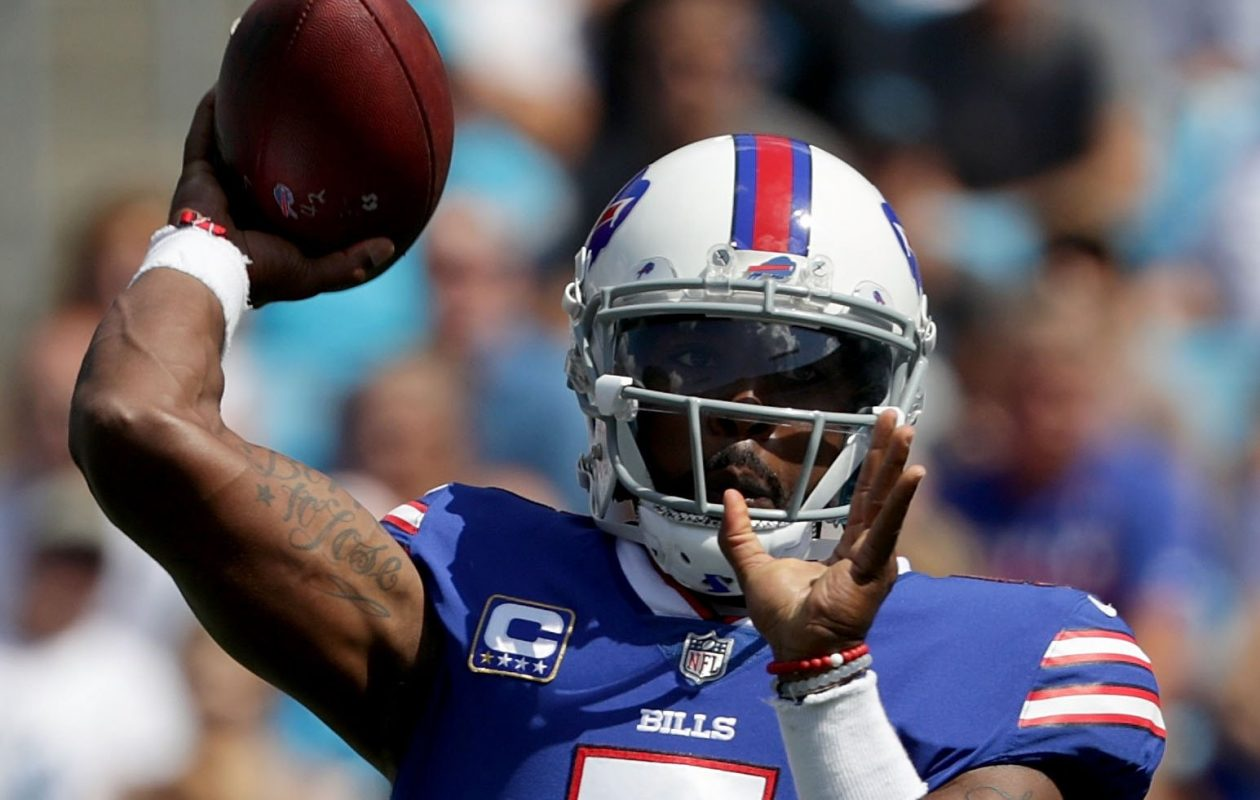 Bills quarterback Tyrod Taylor throws a pass in last Sunday's game against the Panthers in Charlotte.  (Getty Images)