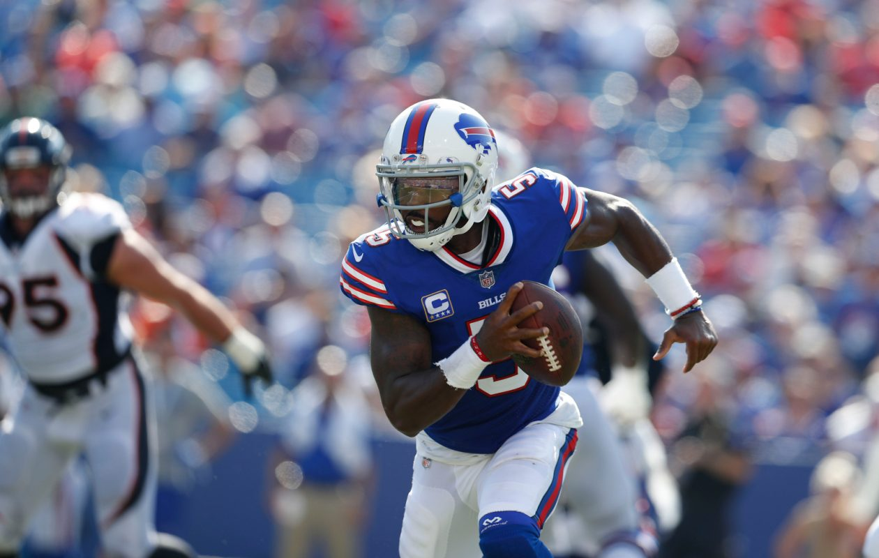 Buffalo Bills quarterback Tyrod Taylor was 10 of 10 on first-down passes. (Mark Mulville/Buffalo News)