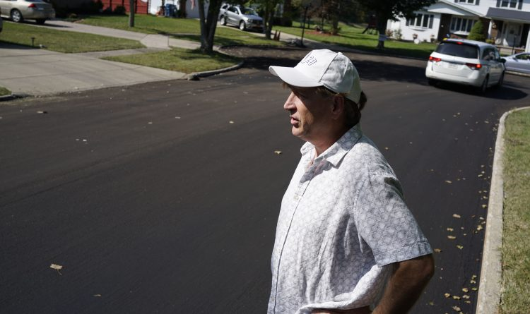Grand Island residents block road crew after paving turns into 'pudding'