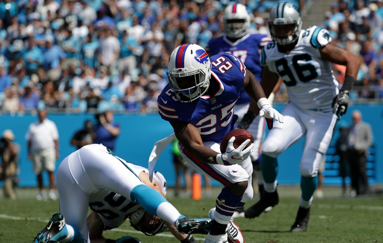 LeSean McCoy #25 of the Buffalo Bills rushes against the Carolina Panthers. (Getty Images)