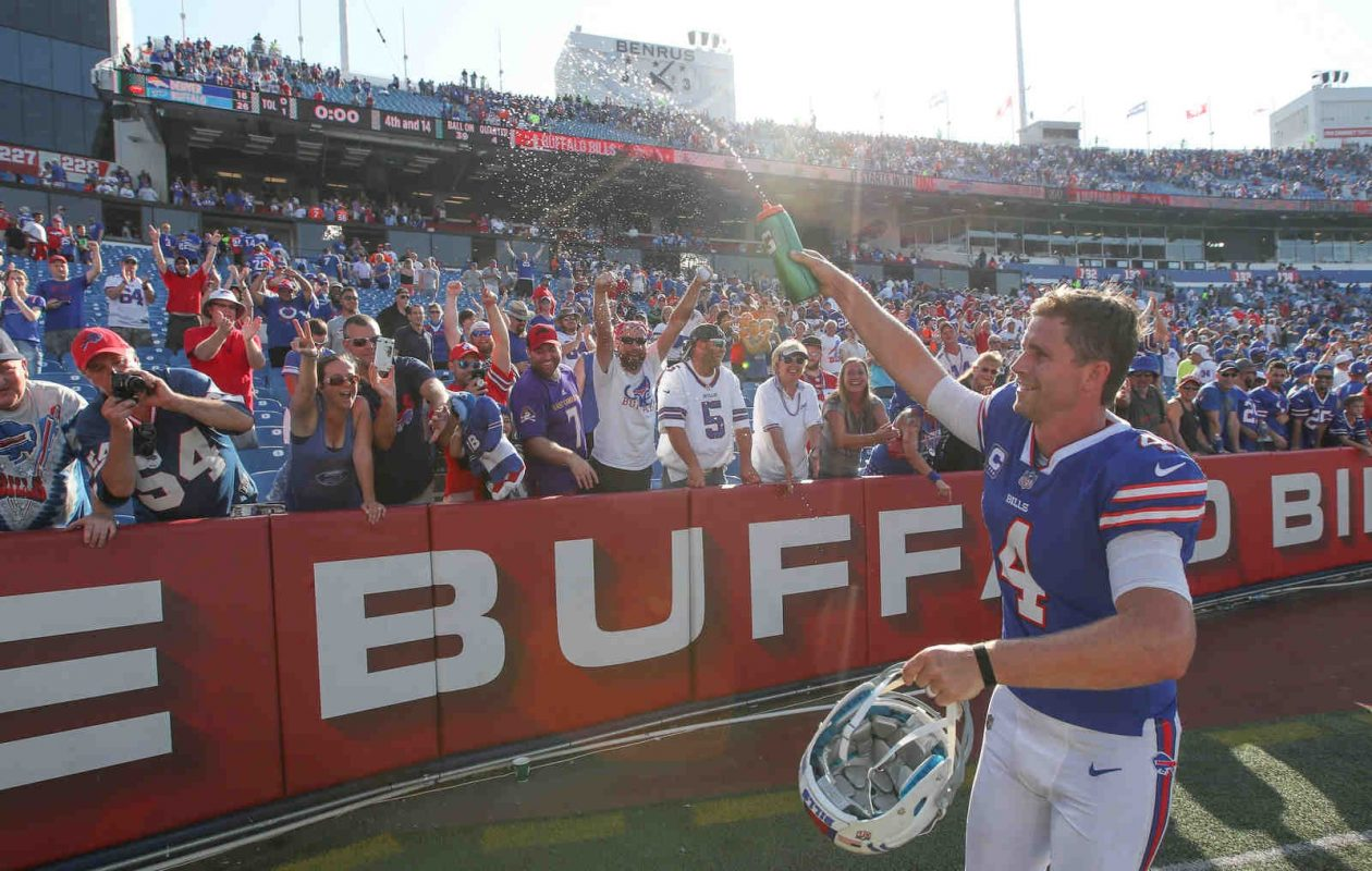 Stephen Hauschka celebrates with fans after the Bills' win over the Broncos. (James P. McCoy/Buffalo News)