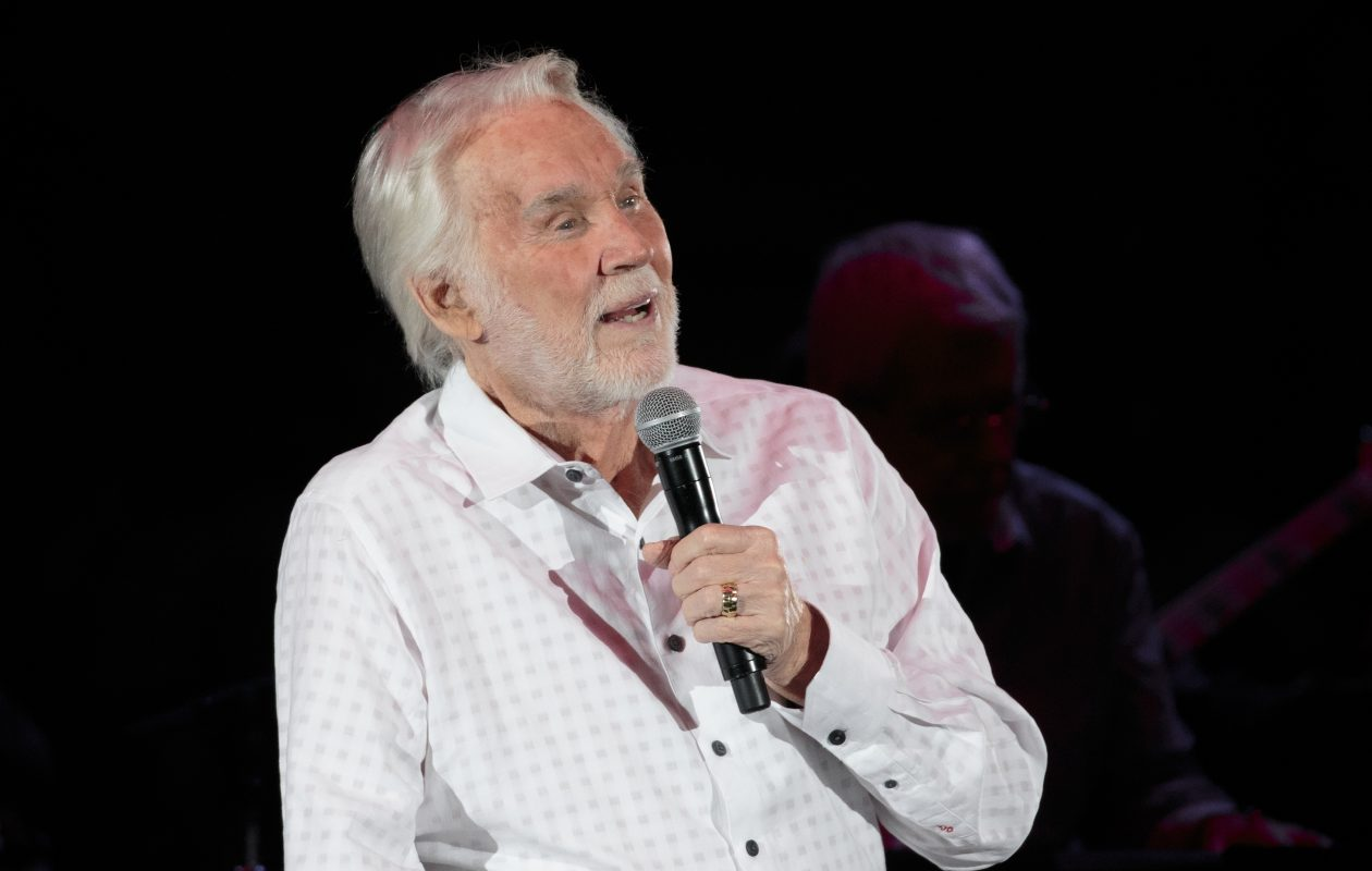 Kenny Rogers will perform a benefit concert for the Ronald McDonald House at the University at Buffalo Center for the Arts.  (Suzanne Cordeiro/AFP/Getty Images)