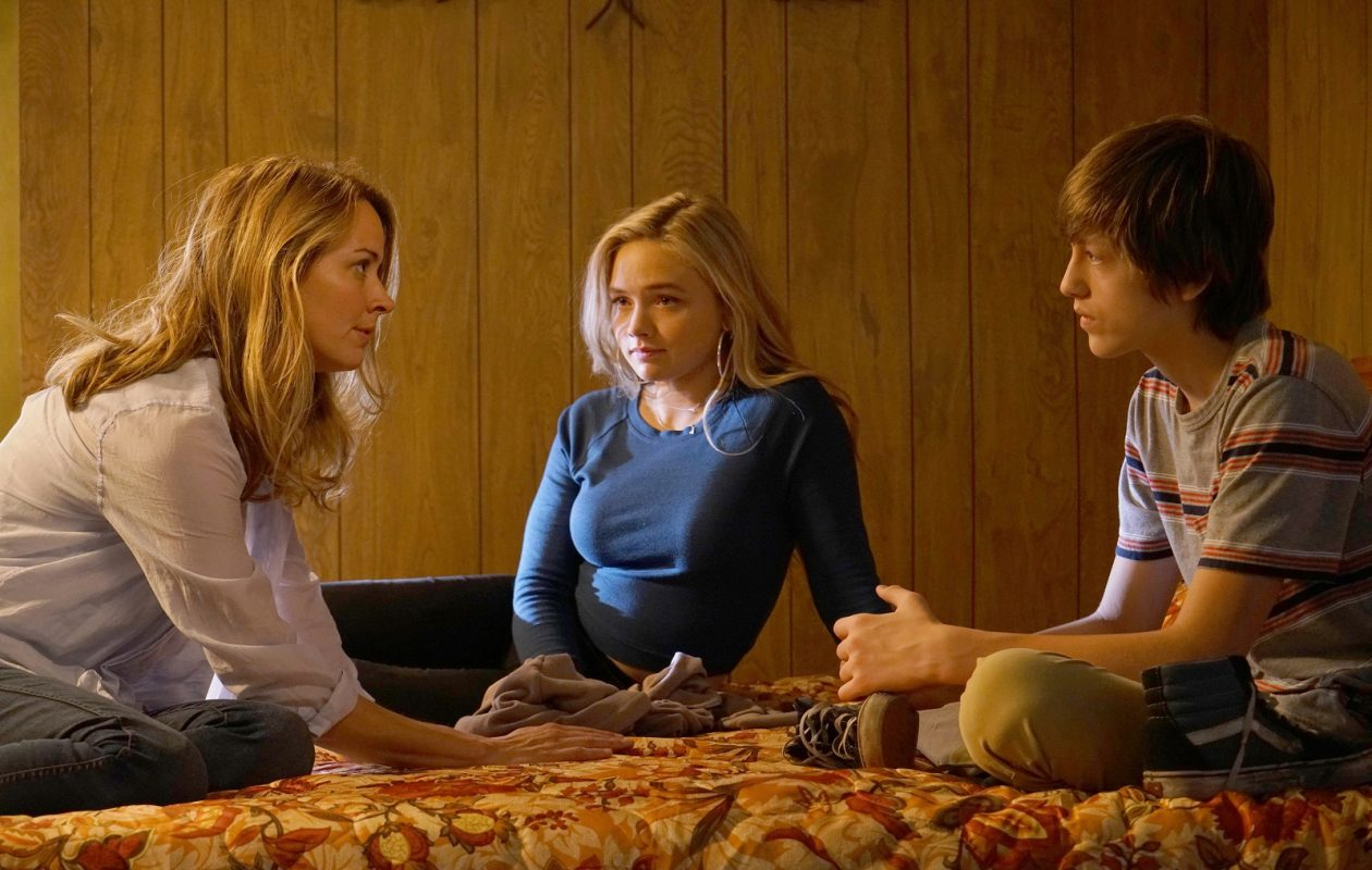 """From left to right: Amy Acker, Natalie Alyn Lind and Percy Hynes White in """"The Gifted,"""" which premieres Oct. 2 on Fox. (Ryan Green/FOX)"""