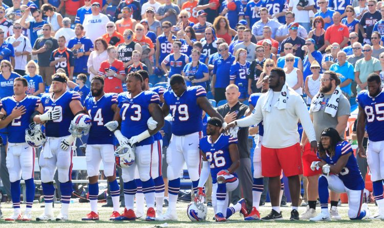 LeSean McCoy, Shaq Lawson among several Bills to protest during national anthem