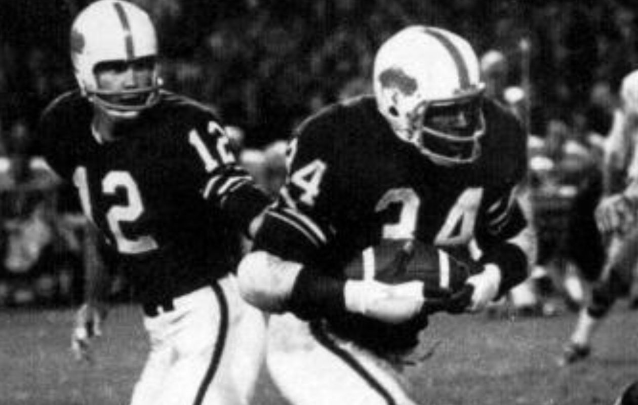 On his way to winning AFL Player of the Year in 1962, Cookie Gilchrist led the league with both 1,096 yards rushing and 13 rushing touchdowns. (File photo)