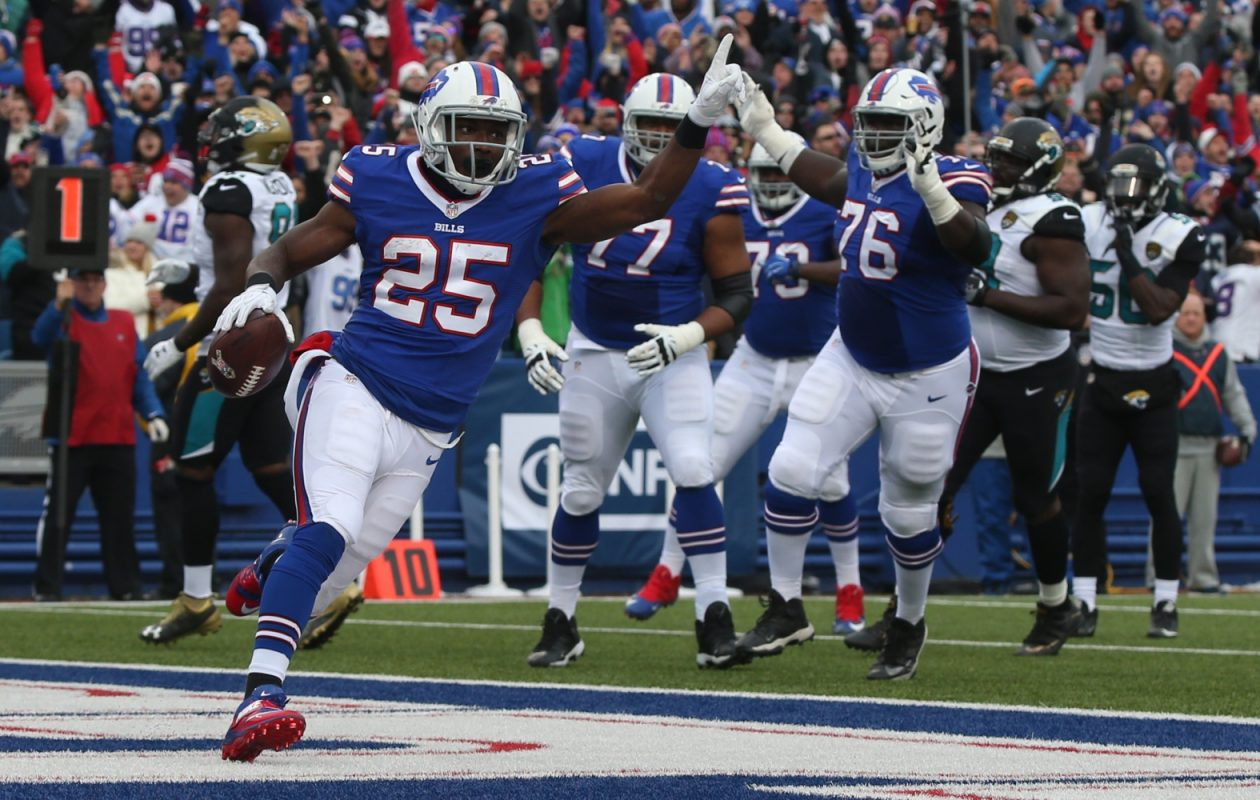 LeSean McCoy has experience running in a zone-blocking scheme. Per Pro Football Focus, 127 of the Bills' rushes last season were either inside or outside zone plays, which are staples of Rick Dennison's ground attack.  (James P. McCoy/Buffalo News)